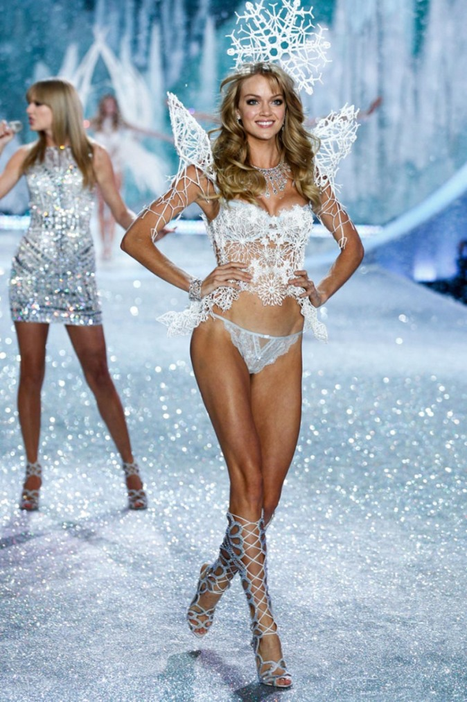 3D-printed-outfit-for-Victoria's-Secret-lingerie-show-4