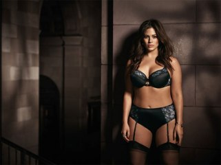 ashley-graham-lingerie-addition-elle